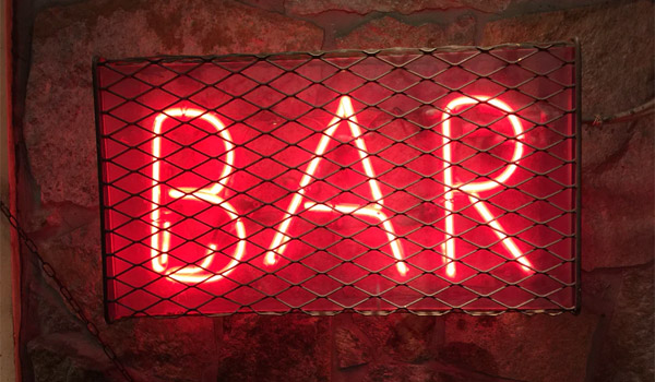 barの看板